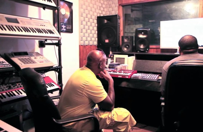 #WTW #NewVideo – @EASKI in the studio w @RICHIERICH working on his NEW ALBUM