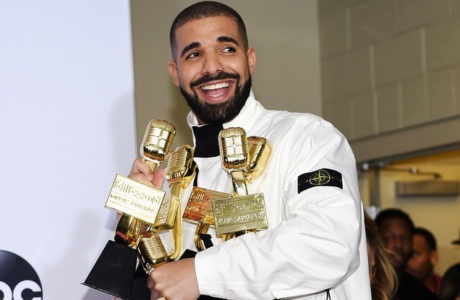 drake-bbmas-press-room-2017-a-HustleTV-DJHustle